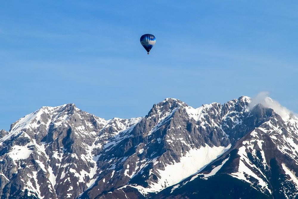 Alpenüberquerung mit einem Heißluftballon