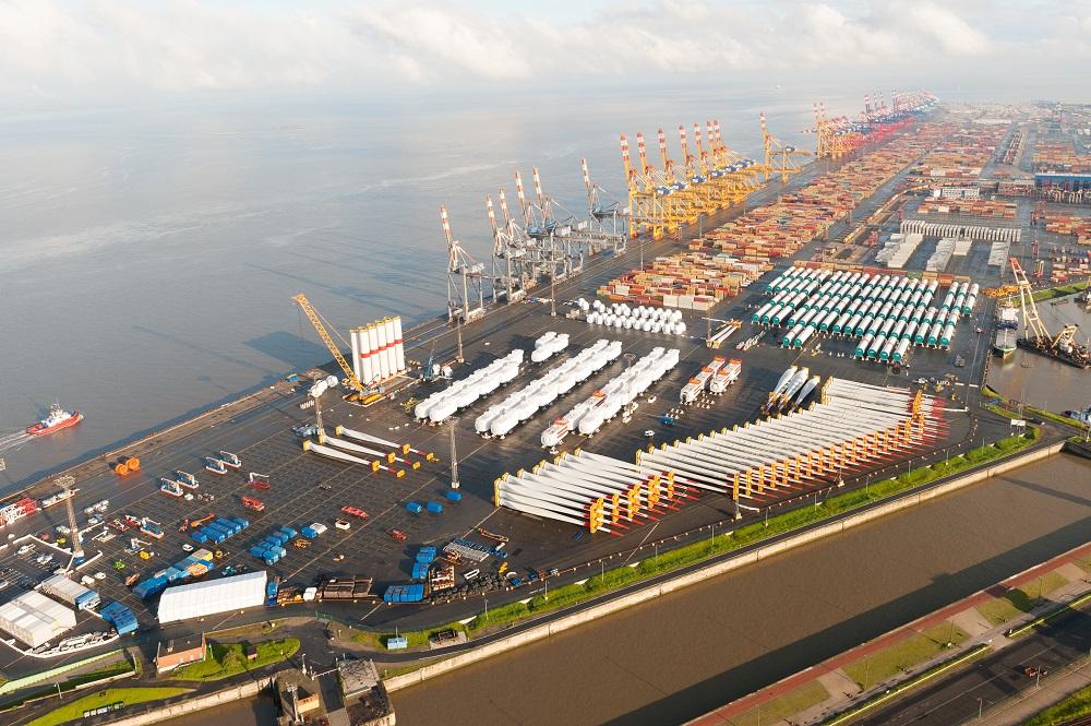 Ballonfahrt am Bremer Hafen