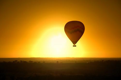 heissluftballon sonnenuntergang